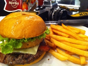 Hard Rock Cafe Bangkok Legendary Burger
